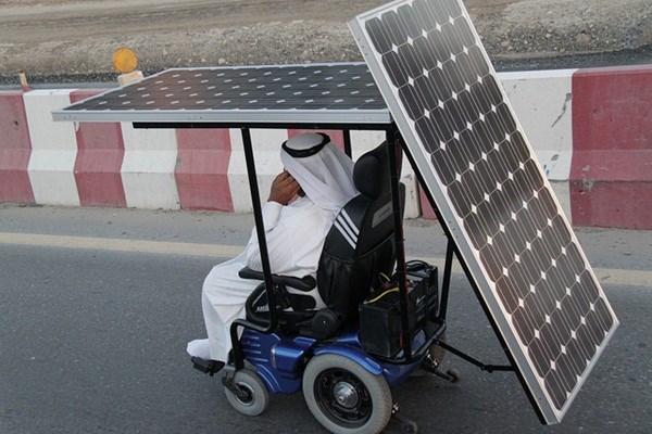 Хайдар Талеб винайшов коляску на сонячних батареях