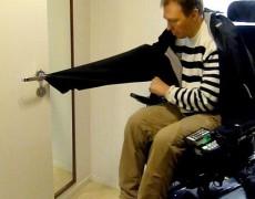 Снятие куртки с помощью кольца